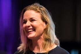 Camilla Saarinen - Föreläsare om medarbetarskap och arbetskultur