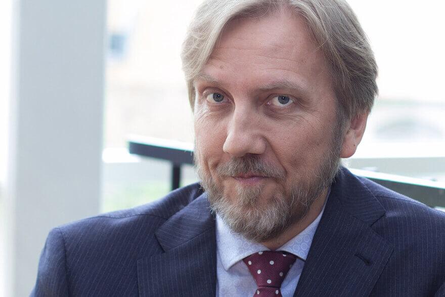 Erik Blix Moderator